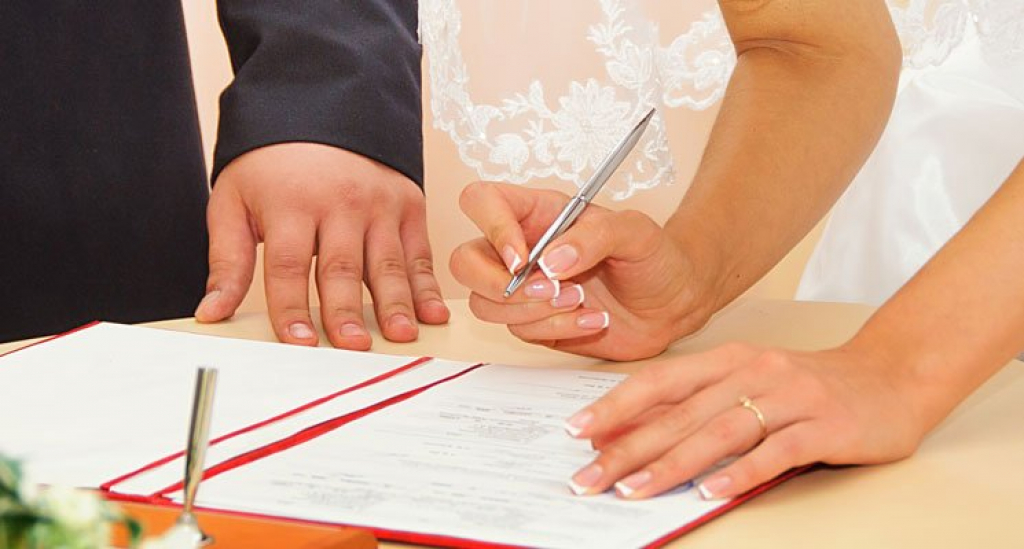 Trouver le contrat de mariage qu'il vous faut